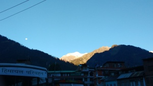A view from Manali bus stand, Early morning.